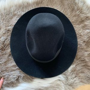Roxy Accessories - Roxy Brimmed Hat
